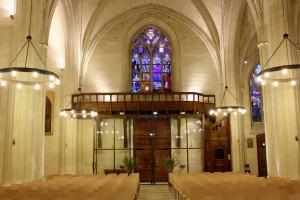Chapelle, entrée et balcon