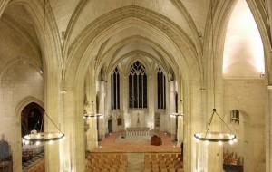 Chapelle vue du chœur et de la nef