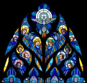 L'Esprit Saint entouré par les anges