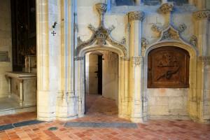 Porche et armoire eucharistique